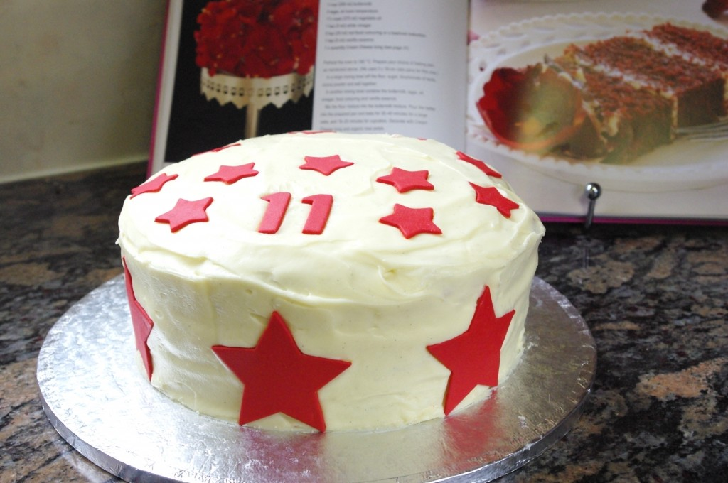 red velvet cake, cream cheese icing, sugarpaste eleven, sugarpaste stars