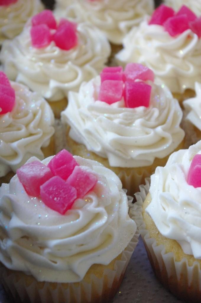 vanilla cupcakes, vanilla butter icing, Turkish delight