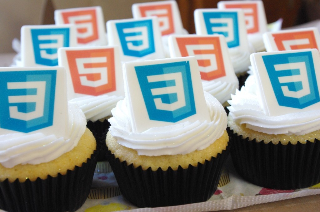 vanilla cupcakes, white vanilla butter icing, edible logo, JSinSA 2012 Conference