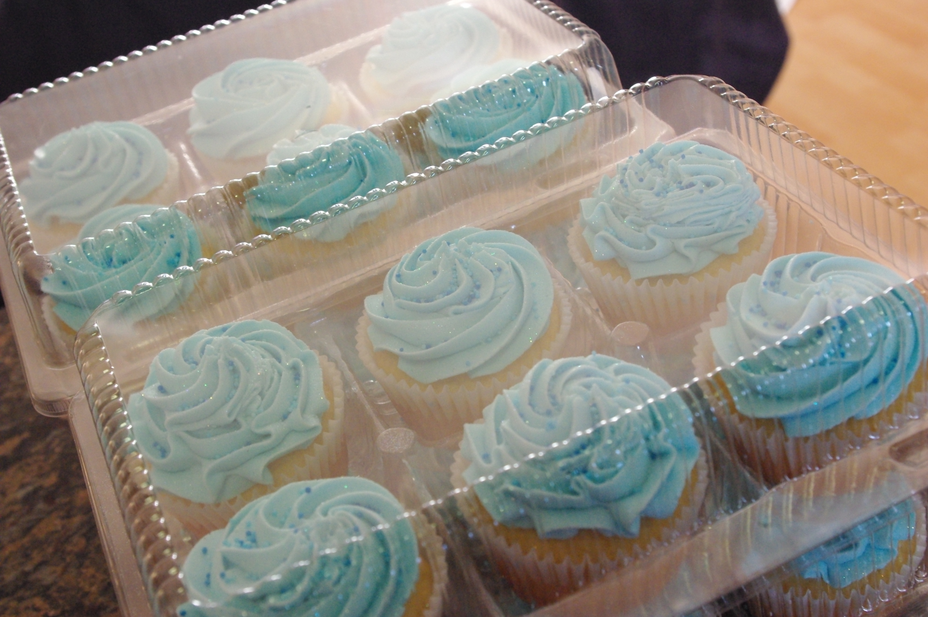Southern Living Yankee: Red, White & Blue Vanilla Cupcakes   Blue Vanilla Cupcakes