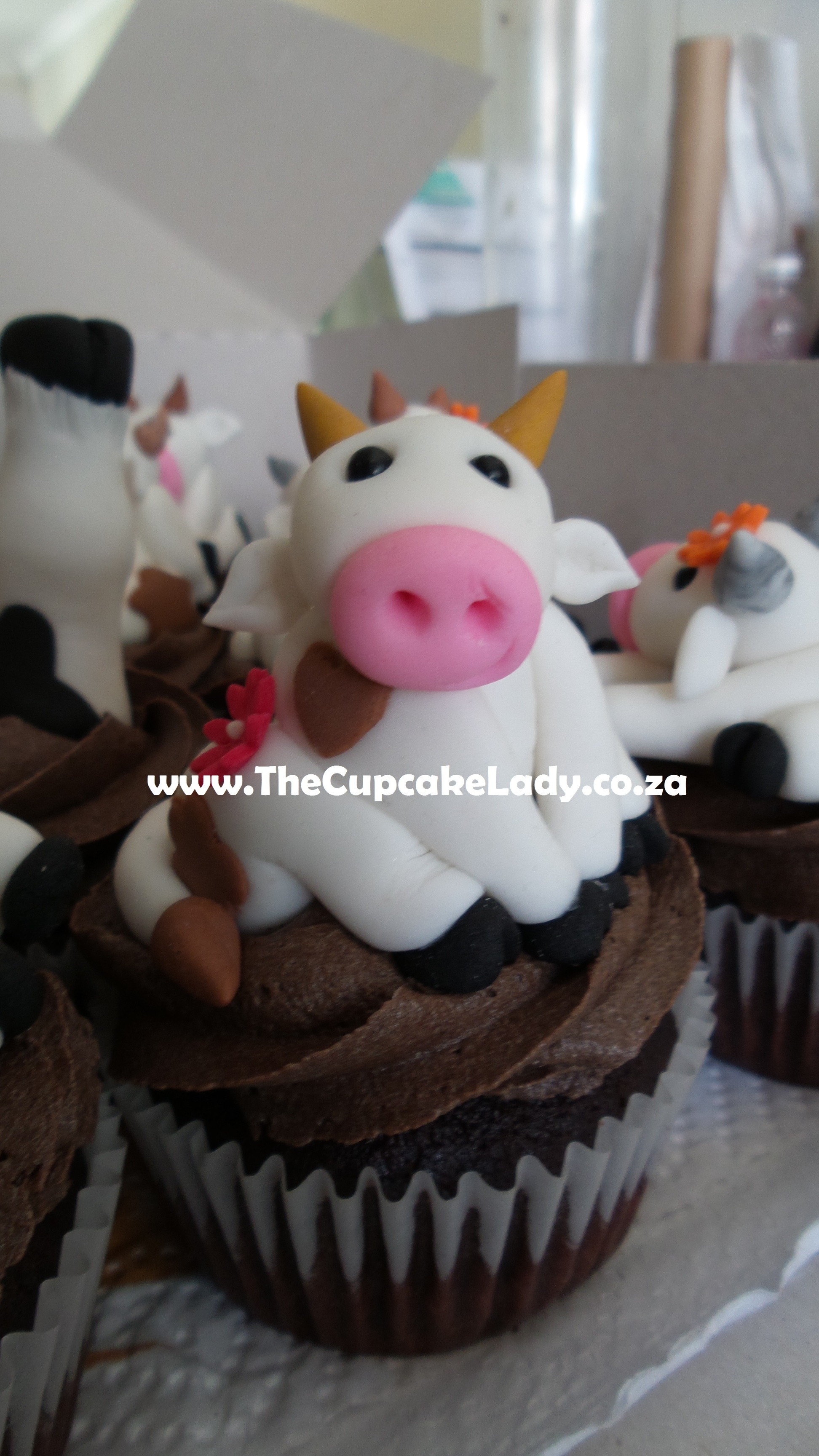 The Icing Artist Cow Cake