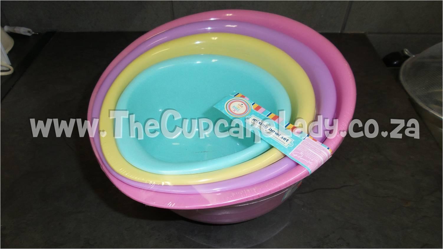 click, love to bake, mixing bowls