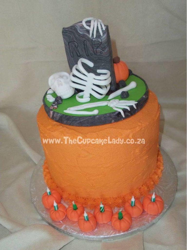 Sweet Art Cake Company Buttercream : custom made decorations